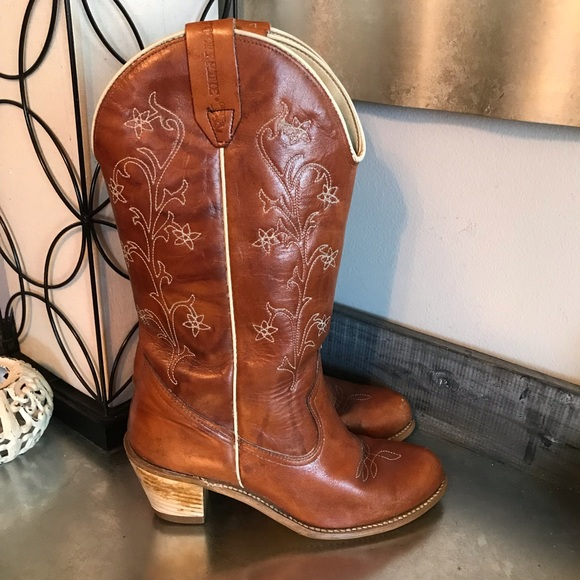2ceb2e1a544 Wolverine vintage floral embroidered western boots